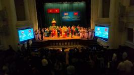Chương trình nghệ thuật Chào mừng Kỷ niệm 45 năm ngày thiết lập quan hệ ngoại giao Việt Nam - Vương Quốc Anh