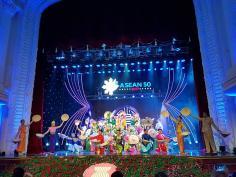 Nhà hát ca múa nhạc dân tộc Bông Sen tham dự chương trình kỷ niệm 50 năm thành lập ASEAN